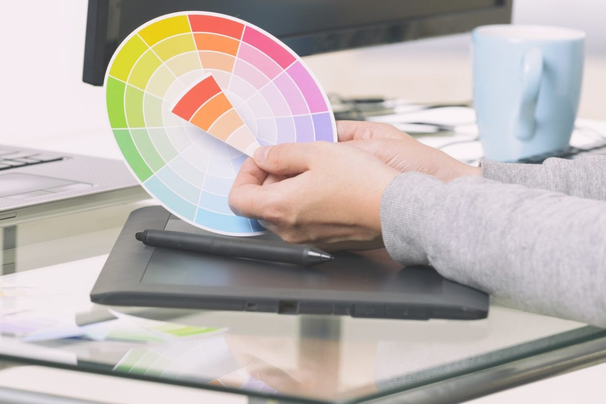 Using a Color Wheel: Choosing The Perfect Colors For Your Next Project