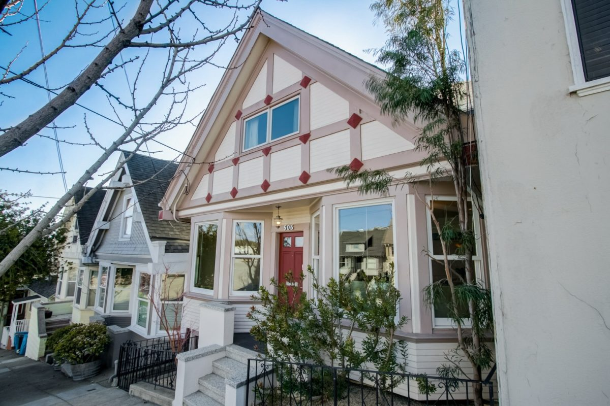 Expert Advice for Picking the Best Exterior Paint Colors for Your Home